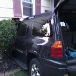 Warren Ave Car vs House